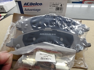 ACDELCO ADVANTAGE CERAMIC REAR DISC BRAKE PAD SET, NOS, #19286123, 14D834CH $42.00 + SHIPPING